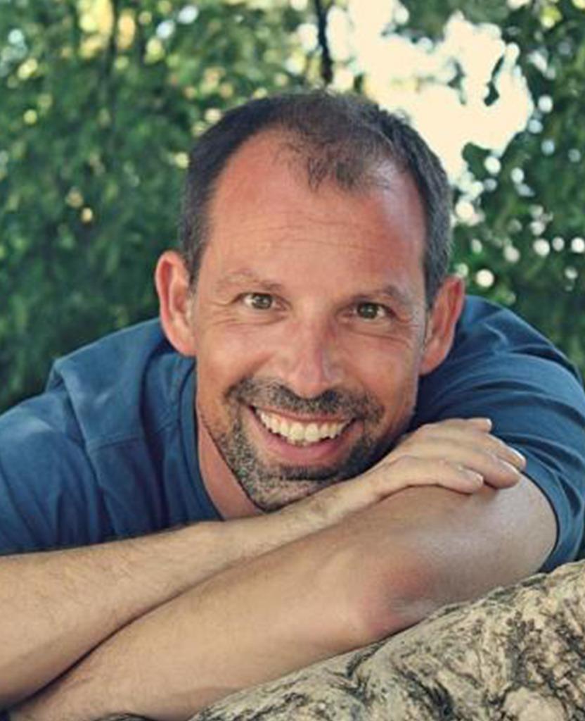 Roland Imrich</p> <h5>Bühnenaufbau & Bühnentechnik,<br /> Konzeption & Konstruktion von Requisiten und Ausstattung</h5> <p>